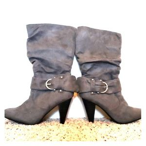 Gray slouchy heel boots